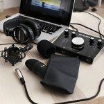 M-Audio M-Track 2x2 Vocal Studio Pro - Pack d'Enregistrement avec Interface M-Track 2x2, Microphone à Condensateur Nova, Câble XLR, Casque Audio HDH40 et Série de Logiciels de Musique de la marque M-Audio image 3 produit