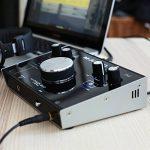 M-Audio M-Track 2x2 Vocal Studio Pro - Pack d'Enregistrement avec Interface M-Track 2x2, Microphone à Condensateur Nova, Câble XLR, Casque Audio HDH40 et Série de Logiciels de Musique de la marque M-Audio image 4 produit